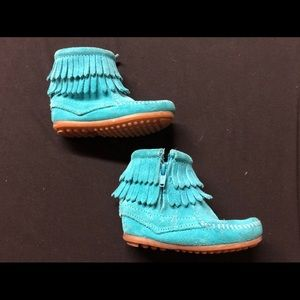Turquoise Minnetonka Toddler Boots - Size 7